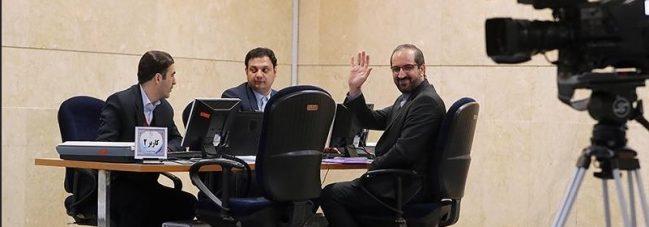 ثبت نام به عنوان اولین داوطلب مجلس یازدهم/تسنیم